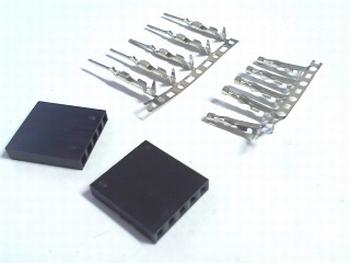 2 x Dupont behuizing met male en female insteek connectors