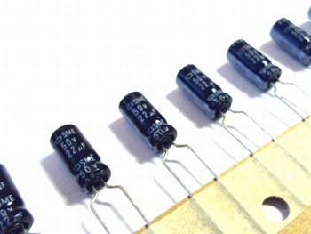ELCO 22uF - 50 volt 10 stuks