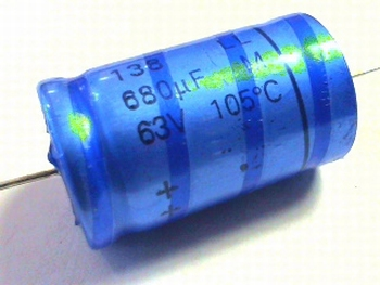 Electrolytic capacitor 680uF - 63 volts axial