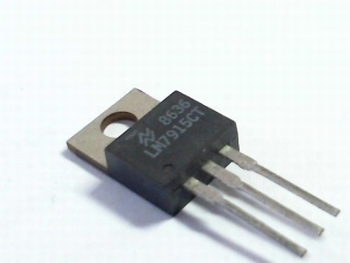 LM 7915 Voltage regulator