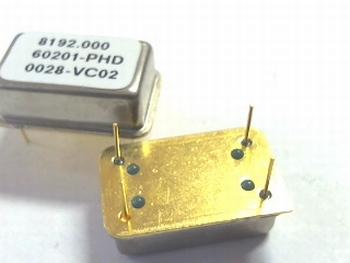 Quartz crystal oscillator 8,192 mhz