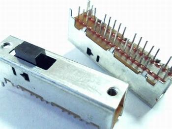 Schuifschakelaar multicontact