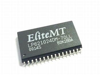 621024DM -128K X 8 BIT CMOS SRAM