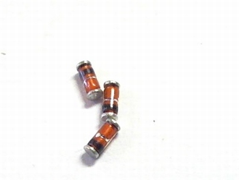 Zener Diode SMD 15 Volt 0.5 Watt 5% -10 stuks SMD