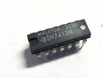 7413 Dual 4-Input NAND