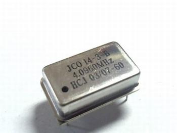 Quartz crystal oscillator 4.0960 mhz