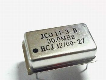 Quartz crystal oscillator 30 mhz