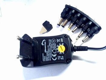 Universele stroomadapter 600ma met 6 verschillende voltages