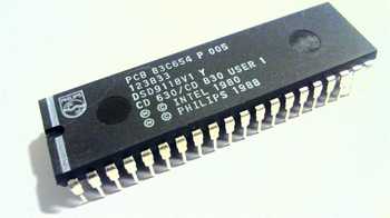 PCB83C654 - CMOS Single-Chip 8-Bit Microcontroller DIP40