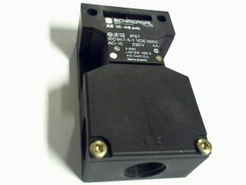 Schmersal AZ16-02-zvk safety switch