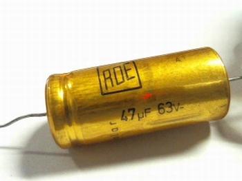 Electrolytische bipolaire condensator  ROE 47 uF 63 Volt