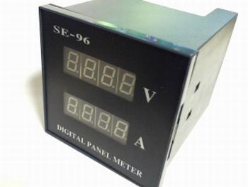 Digitale paneelmeter 5V DC en 5A  DC