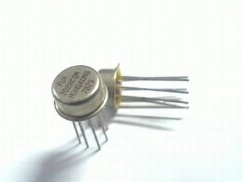 UA702HCQM OP-AMP