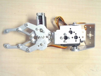 Metal robot claw with 3 servo's
