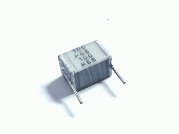 MKT folie condensator 680nF 100V