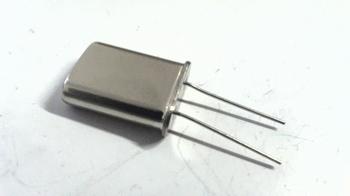 Quartz crystal  6,144 mhz HC49