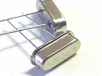 Quartz crystal 9,8304 mhz HC49